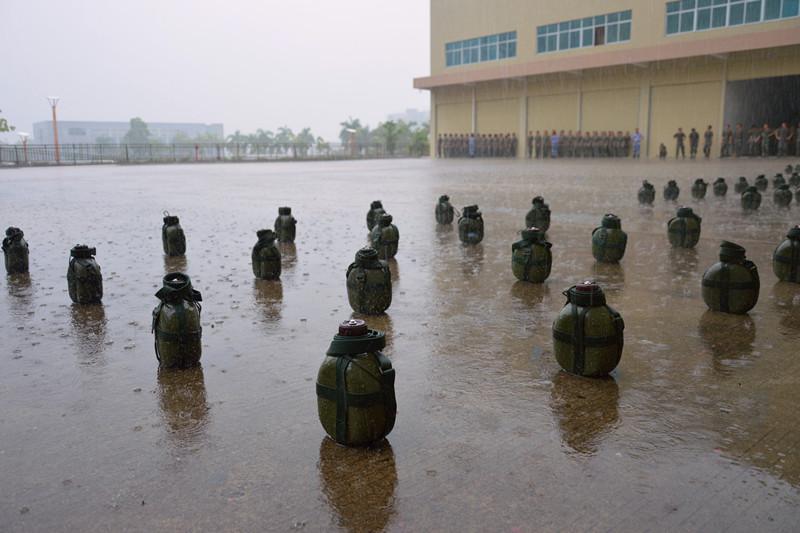 团结就是力量 雨中进行曲