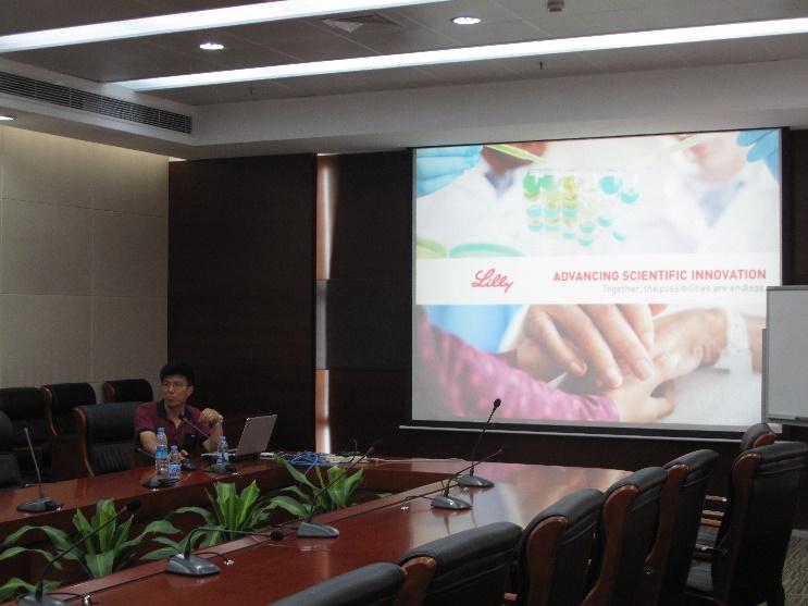 礼来公司党群博士(Asia Head, External Innovation for Endocrine & CV Research)来我院交流