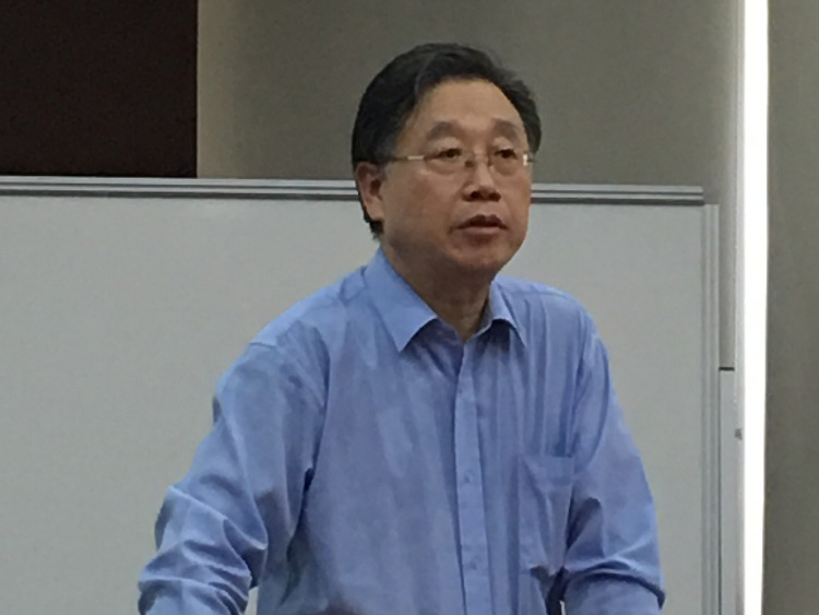 中科院上海有机所田伟生研究员及桂敬汉研究员来访我院