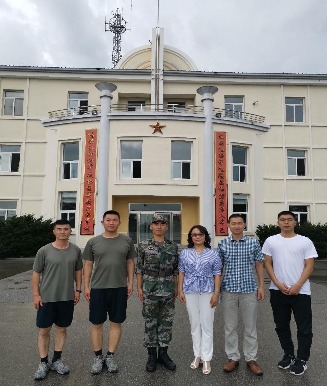 4166am备用赴辽宁陆军某部队看望国际法学院2017级入伍学生