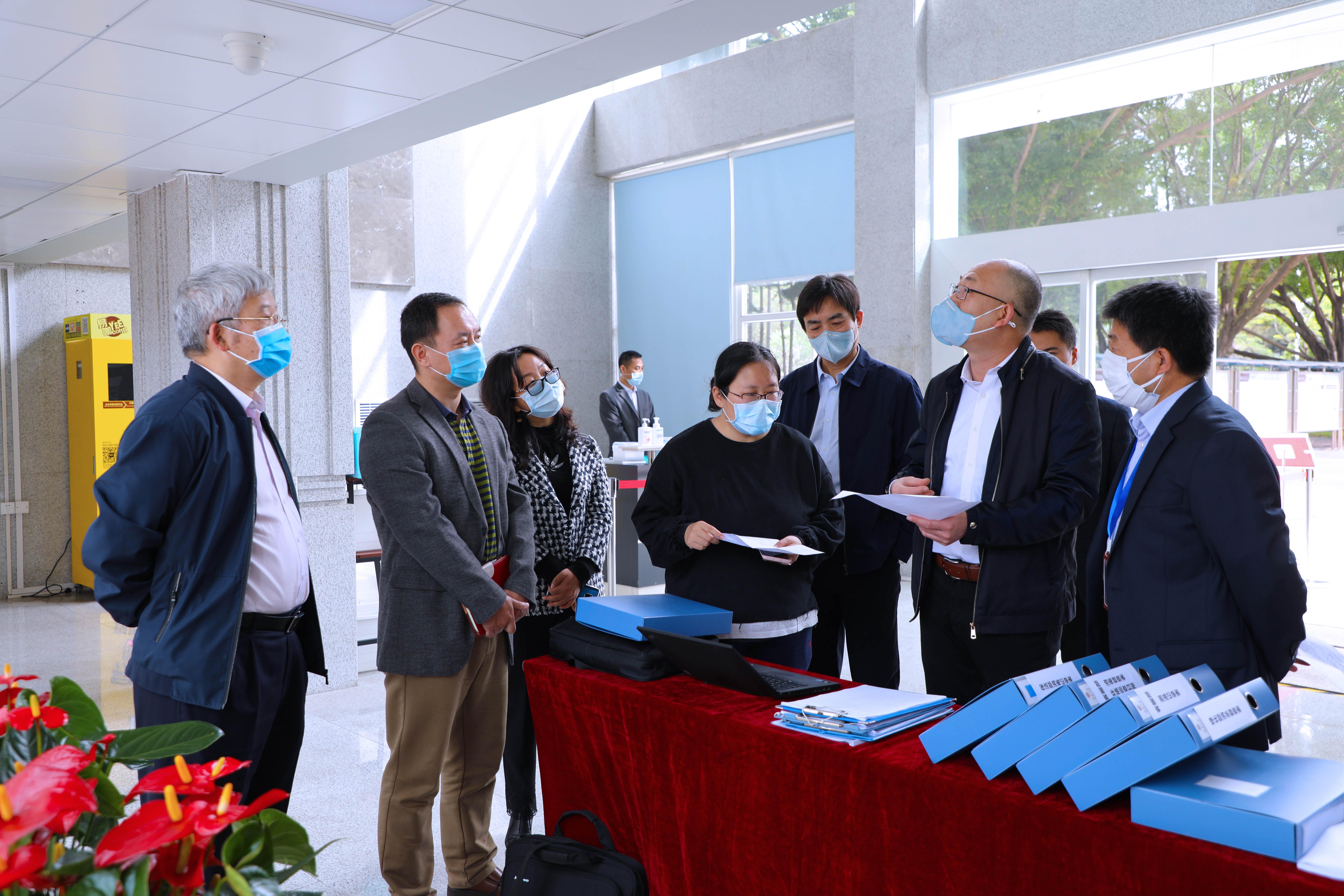 深圳市委教育工委副书记杨平一行到我院督查疫情防控工作