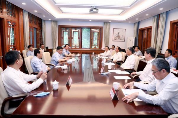 ?广东省委副书记、省长马兴瑞一行访问澳门新葡新京平台