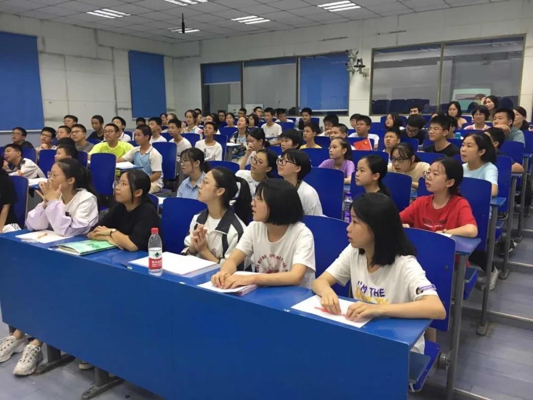 2020年暑期在校生赴湖南省衡阳市党政机关跟班学习圆满收官